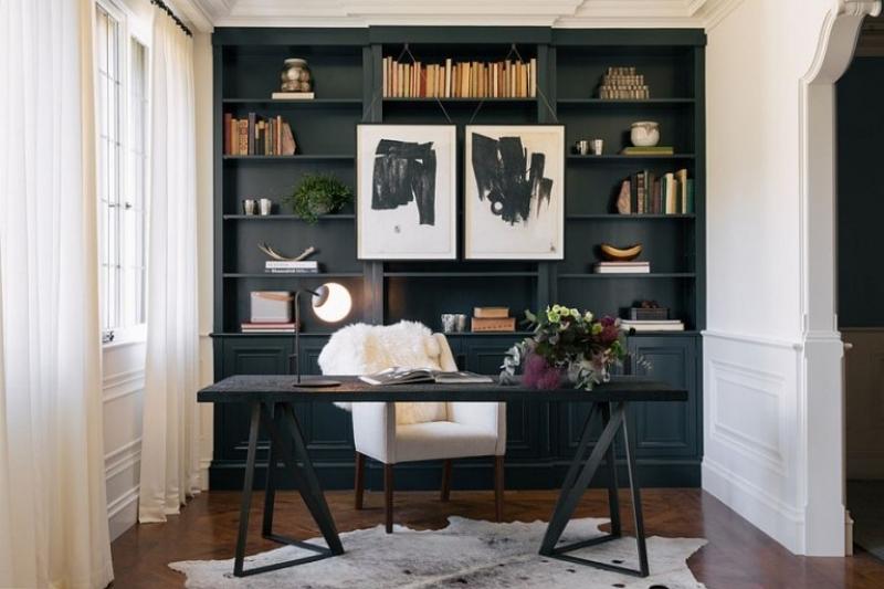 Кабинет Лавина в комплекте из двух шкафов разной вместительности белого цвета