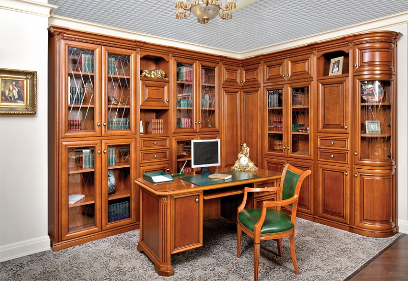 Кабинет Элипс в классическом стиле с овальным столом и высоким шкафом на три секции со стеком
