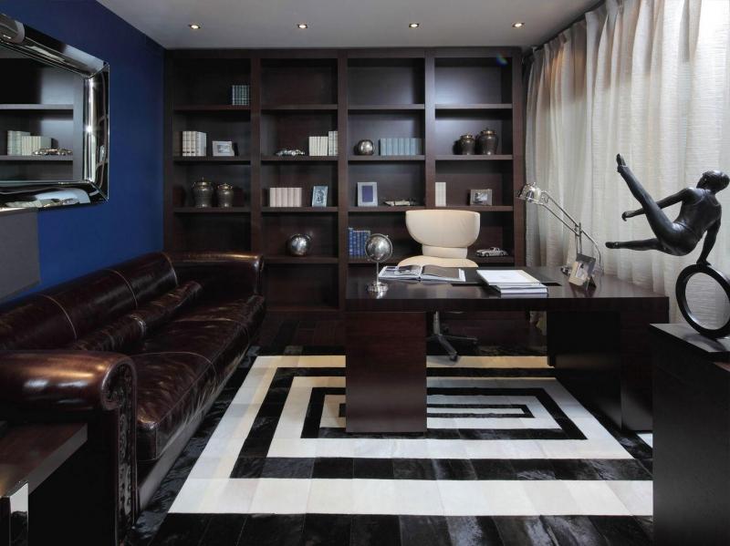 Кабинет Корунд встроенный в лучших традициях классики в комплекте со столом