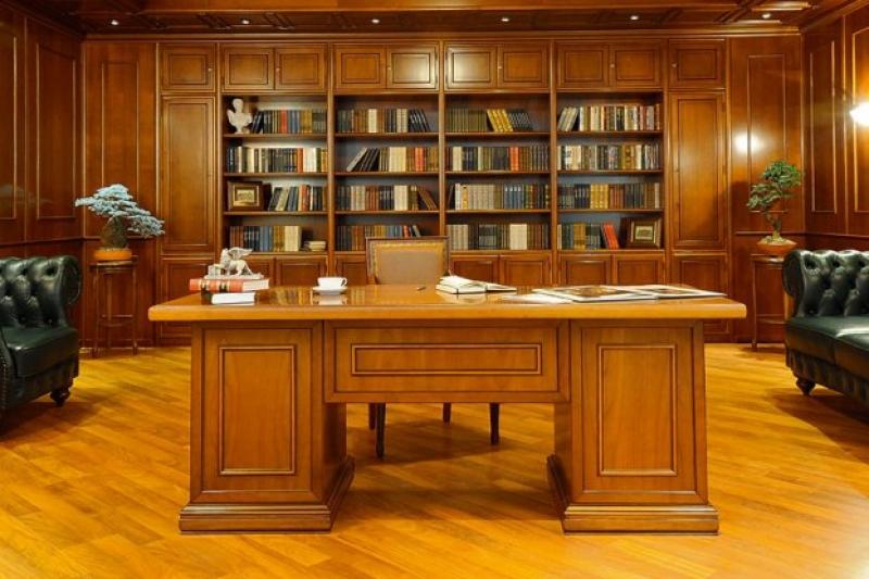 Кабинет Атаман угловой из дерева со встроенным книжным шкафом со стеклом