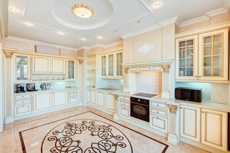 Купить Кухня Прованс угловая белого цвета с черной столешницей под заказ