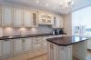 Кухня Ромашка угловая белого цвета в классическом стиле