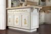 Кухня Сания в классическом стиле из натурального массива с декоративными элементами