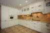 Кухня Астрид коричневого цвета с навесным ящиками со стеклом