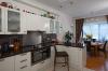 Кухня Анионита в стиле модерн оранжевого цвета со стильной фурнитрой