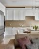 Кухня Лорена белая в стиле модерн углового типа с барной стойкой