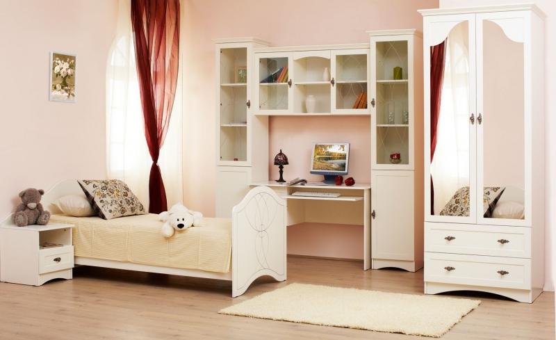 Детская Бьянка в простом белом цвете с кроватью и рабочим столом и отдельными шкафчиками