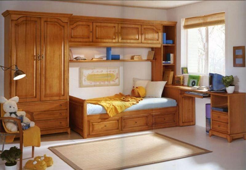 Детская Химираги в классическом стиле коричневого цвета со столом и кроватью