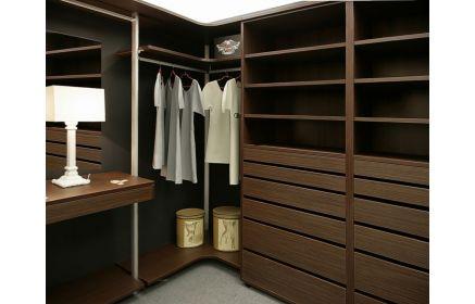 Купить Гардеробная Мельпомена встроенная углового типа в стиле модерн из дерева коричневого цвета с выдвижными ящиками  под заказ