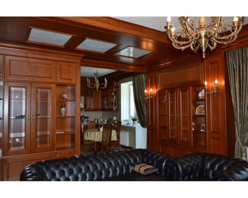 Гостиная Калбретон роскошная в классическом стиле коричневого цвета из двух отдельных секций