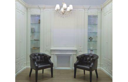 Купить Гостиная Изящество в классическом стиле белого цвета с высокими колоннами и стеклянными полками  под заказ