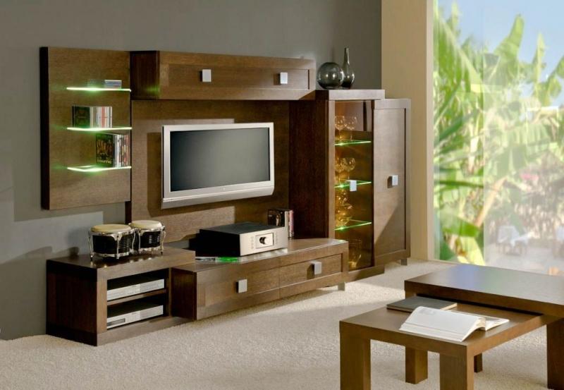 Гостиная Релакс современная коричневого цвета со стеклянными полками и местом для телевизора