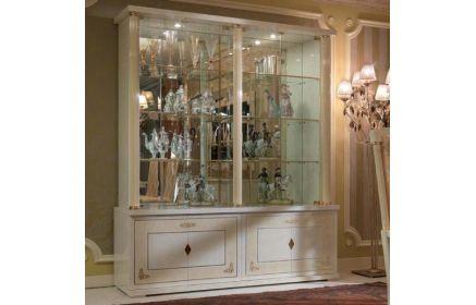 Купить Шкаф-витрина Рольсоль с зеркалом и стеклом 6 стекляных полок 2 стеклянные двери 4 двери из дерева белое и светло-жёлтое окрашенное дерево с узорами и золотыми вставками под заказ