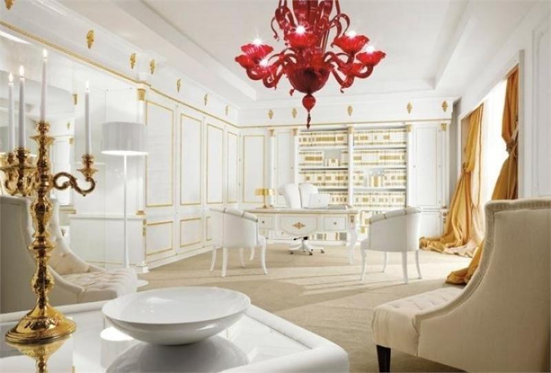 Кабинет Ракурс в роскошном бело-золотом исполнении с изящными столом и стульями