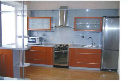 Купить Кухня Эмилия прямого типа с оранжевыми фасадами и серой столешницей   под заказ