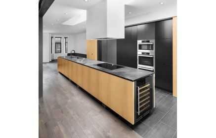 Купить Кухня Эсьен стильная и современная черного цвета с островом под заказ