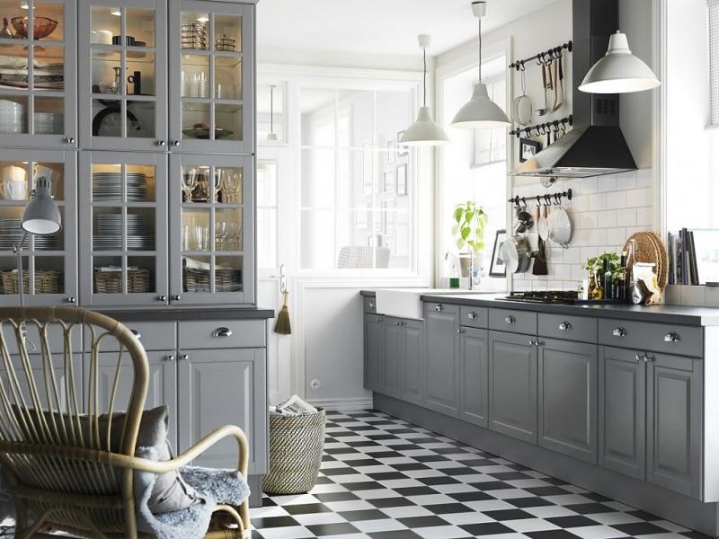 Кухня Евсей классичекая серого цвета линейного типа по двум стенам