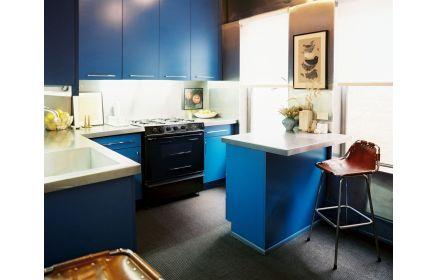Купить Кухня Гюнтер синего цвета с белой столешницей в современном стиле под заказ