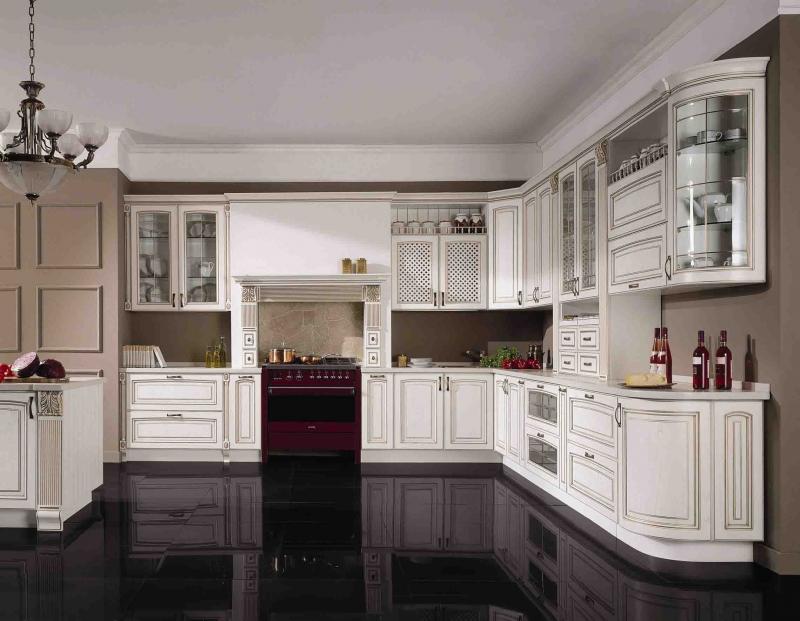 Кухня Прада угловая белого цвета в классическом стиле с подвесными шкафами со стеклом в дверцах