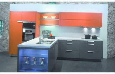 Купить Кухня Сафиса Т-образная в стиле модерн правильных форм  под заказ