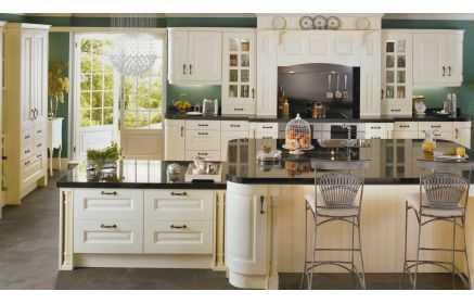 Купить Кухня Стефани в классическом стиле белого цвета под старину под заказ