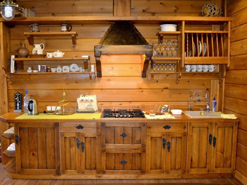 Купить Кухня Световид из натурального массива дерева с металлической фурнитурой  под заказ