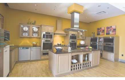 Купить Кухня Юстер в стиле модерн серого цвета с островом  под заказ