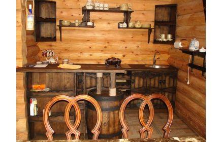 Купить Кухня Зарина уз дерева в средневековом стиле с металлической фурнитурой   под заказ