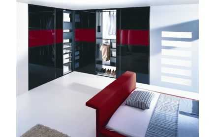 Купить Шкаф Альбано угловой крашеное стекло черный с красными вставками 5 дверей внутри полки подставка под обувь ящики вешалка под заказ
