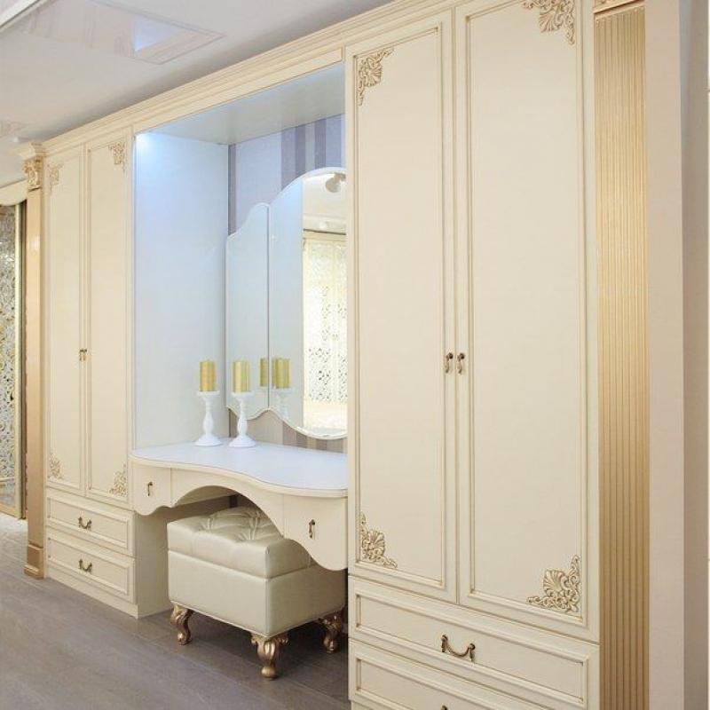 Прихожая Бригантина большая в белом цвете классического стиля с зеркалом