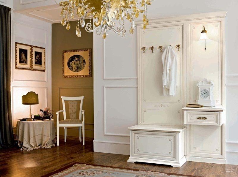 Прихожая Кадом в классическом стиле белого цвета с крючками и встроенным светильником