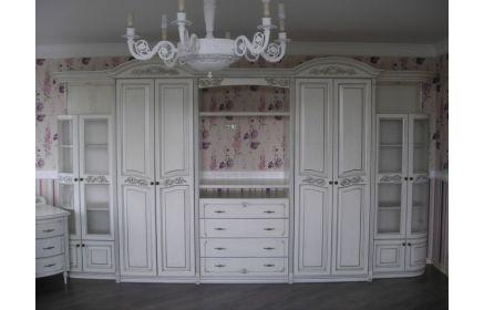 Купить Стенка Левадия 8 дверей из дерева 4 дверей со стеклом 4 ящика 5 полок белый цвет с узорами под заказ