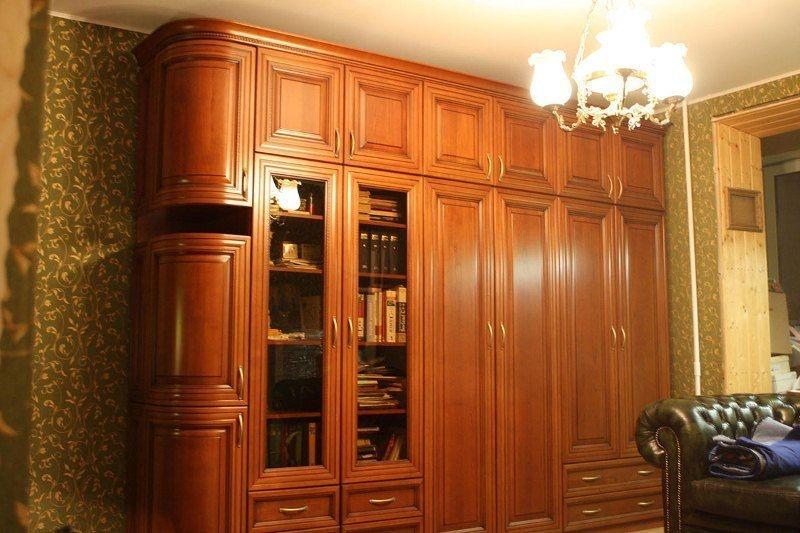 Гостиная Активион в классическом стиле коричневого цвета и со скругленным уголком