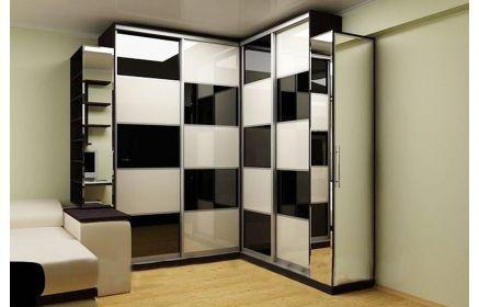 Купить Шкаф Гаити угловой крашеное стекло 5 дверей 7 полок черный белый цвет стекла и темно-коричневое дерево под заказ