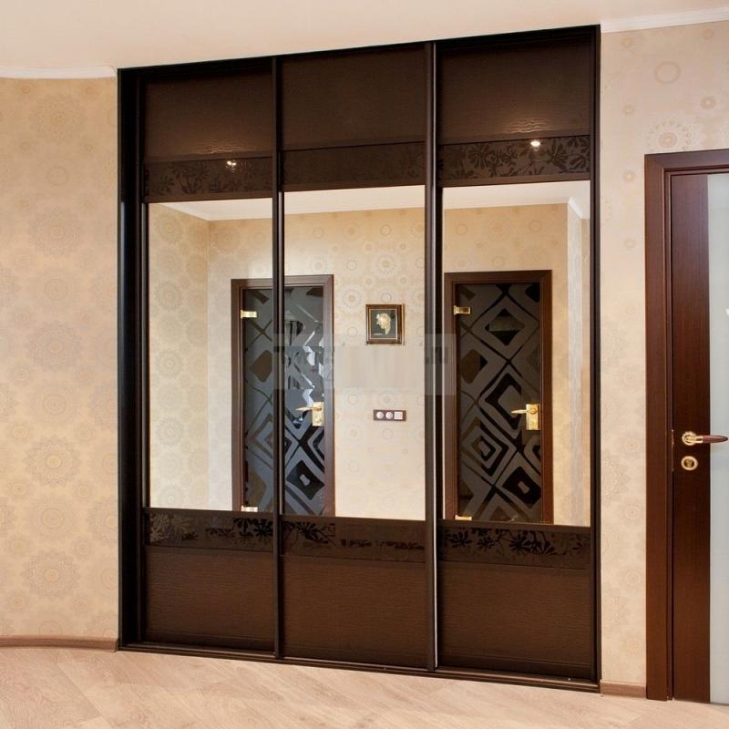 Шкафы купе с круглыми дверями фото огромную