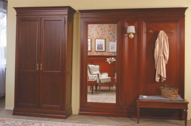 Прихожая Алла из массива коричневого цвета с зеркалом
