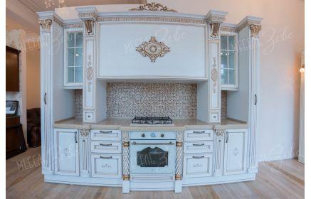 Купить Кухня Белая размером 3,2*2,45 метра из массива дуба с глянцевой поверхностью   под заказ