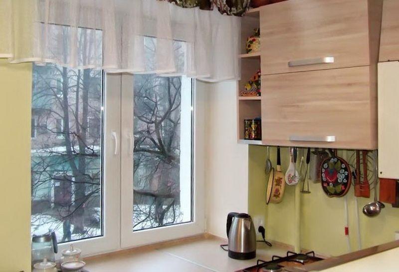 Использование подоконника на кухне