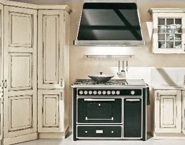 Черно-белая кухня неопрованс