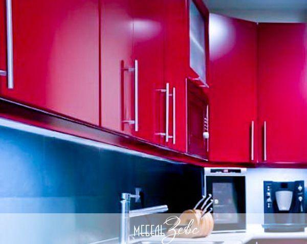 Навесные кухонные шкафы из пластика