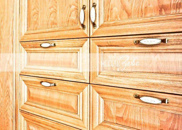 Золотая кухня из массива