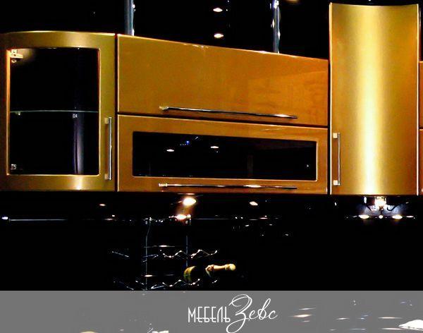 Черно-золотая кухня
